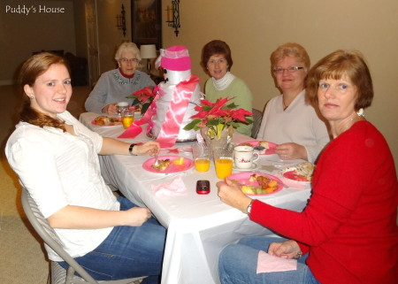 Baby Shower - Guests eating brunch