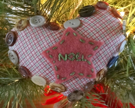 DIY Christmas Ornaments - Heart with felt and buttons