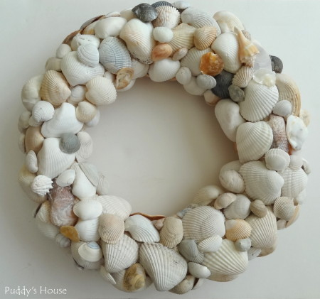 DIY Seashell Wreah - final layer of shells added