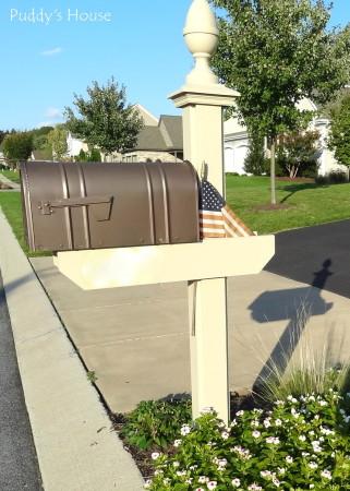Spraypaint love -2 - spraypainted mailbox