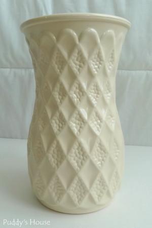 Spraypaint love -2 - vase after ivory spraypaint