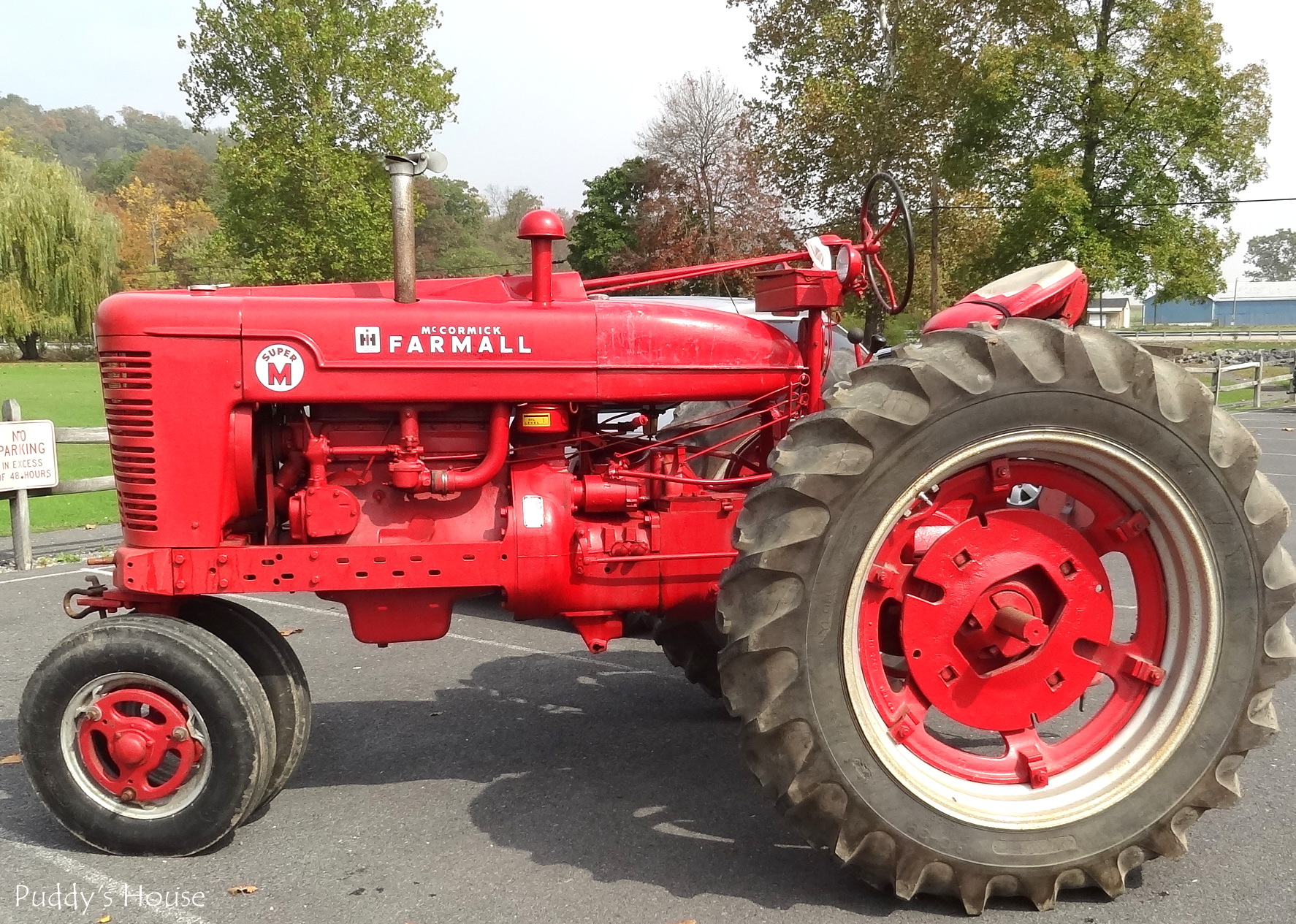 Related Keywords Suggestions Old Farmall Tractors