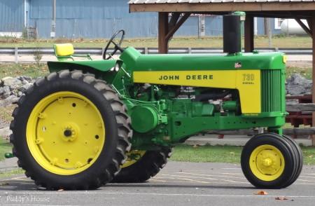Tractor Ride - John Deere 730