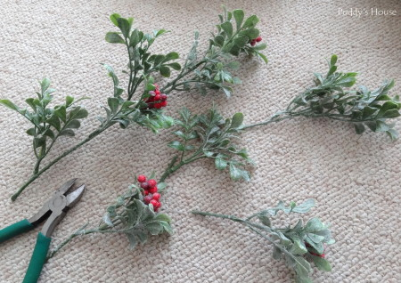 DIY Christmas Wreaths - berry stems cut
