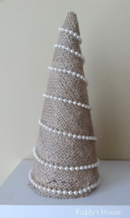 Easy DIY  Burlap Christmas Tree Craft