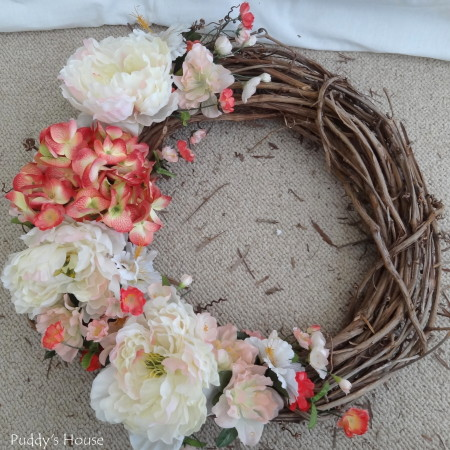DIY Spring Wreath 2014 - flowers on side of wreath after