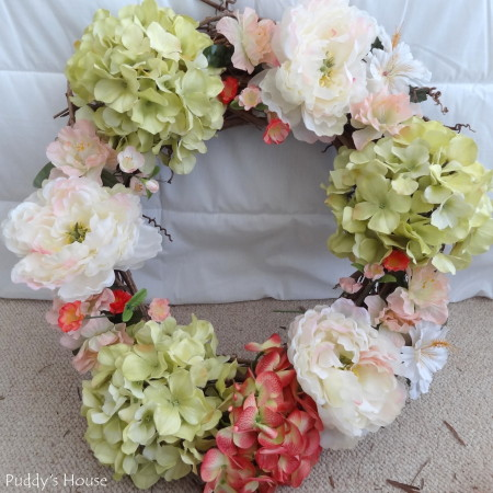 DIY Spring Wreath 2014 - flowers on whole wreath