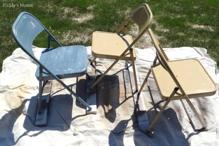 Folding Chair Makeover - chairs ready to be painted