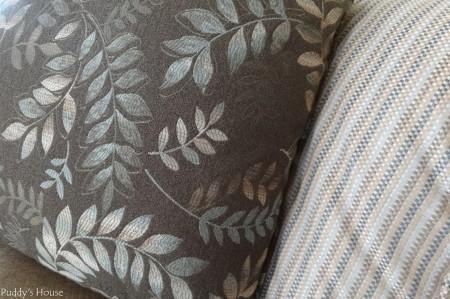 Living Room Reveal -pillow detail
