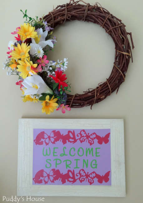 Expressions Vinyl - Welcome Spring canvas with wreath