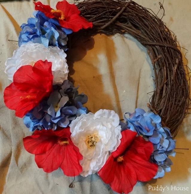 DIY Patriotic Wreaht - first step
