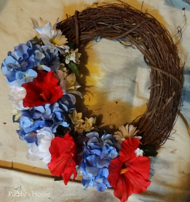 DIY Patriotic Wreath - all flowers added