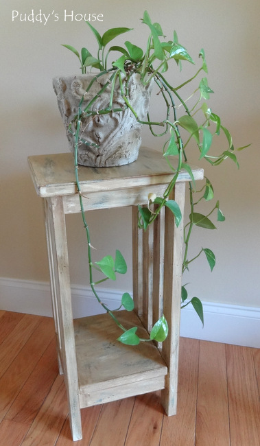 DIY Plant Stand Makeover -with plant