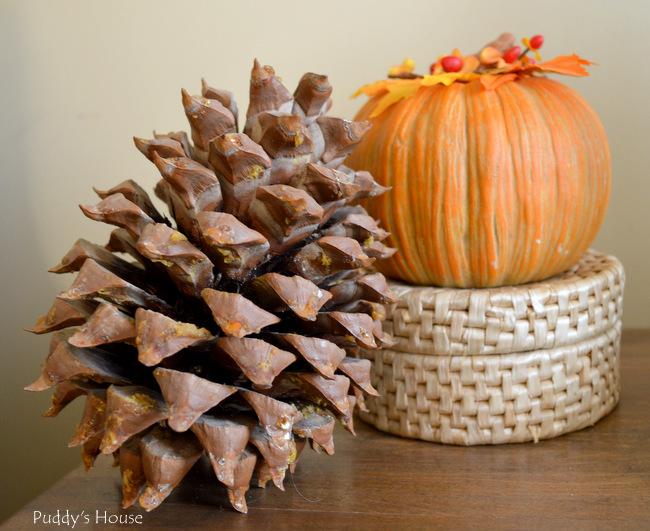 Fall Home Tour - Vignette - acorn pumpkin basket