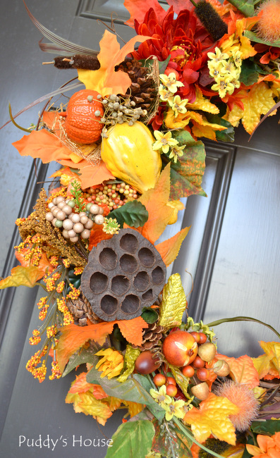 fall porch decor - DIY wreath close up