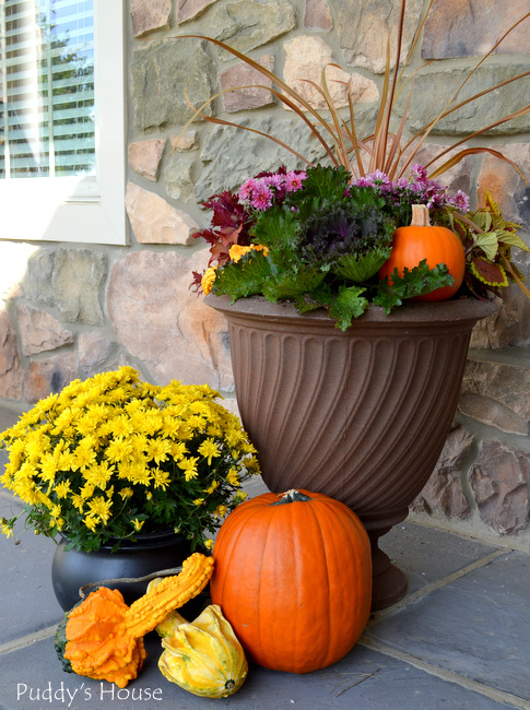 fall porch decor - left side