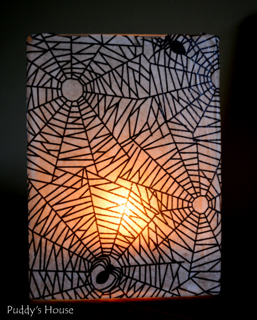 DIY Halloween Decor - candlelight in vase