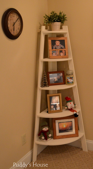 Christmas House - corner shelf