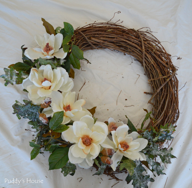 DIY Winter Wreath - magnolias