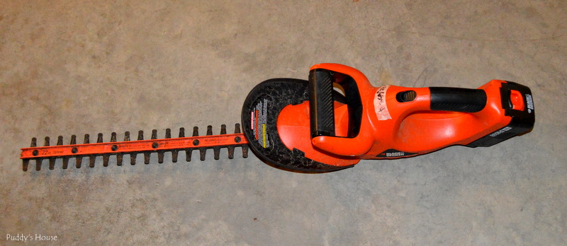 Yard sale - hedge trimmer