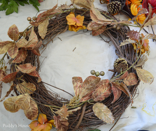 DIY Fall Wreath- glitter leaves added